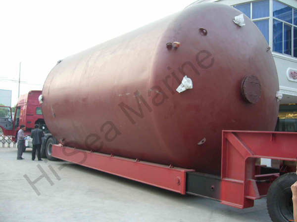 Upright carbon steel oil storage tank